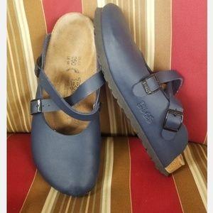 Birkis navy blue ladies size 8 beautiful shoe